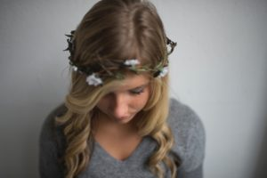 Daisy Facts: Girl with daisy crown.